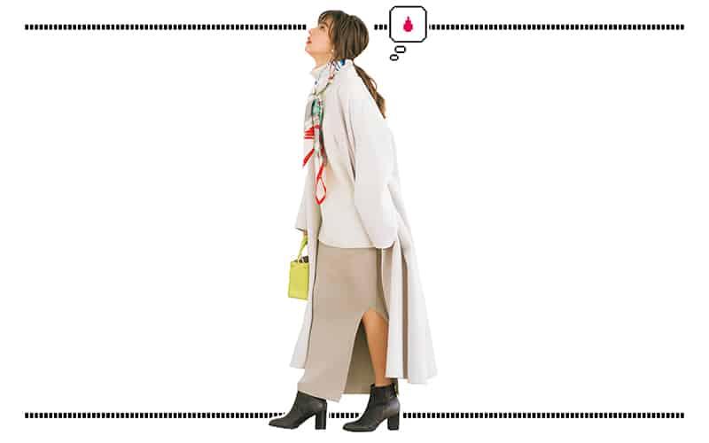 ベージュトーンのゆるコーデはスカーフやキレイ色バッグがスパイス【今日の着回しDiary】