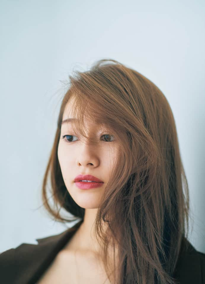 美人ムードを纏える、アラサー的「髪×リップ」バランス学②【ハンサム編】