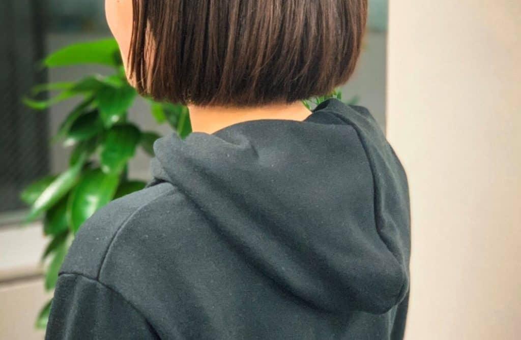 アラサー女子のモテテク「パーカのフードを裏返して着る」|【2020年までに彼氏をつくるためにすべき30のこと③】