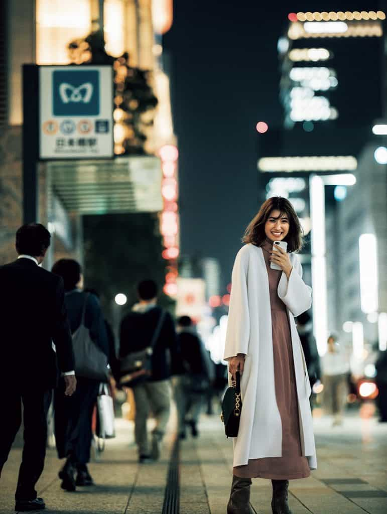 「白いコートが似合うその清潔感