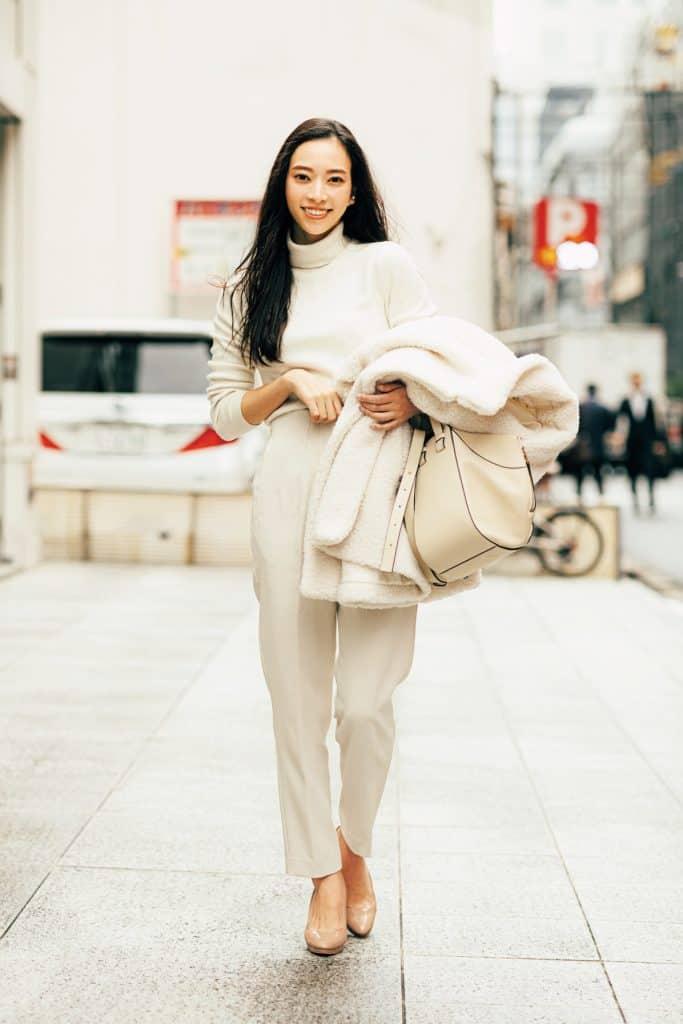 アラサー世代の「女っぽいカジュアル」冬コーデ4選【パンツスタイルの着こなし】