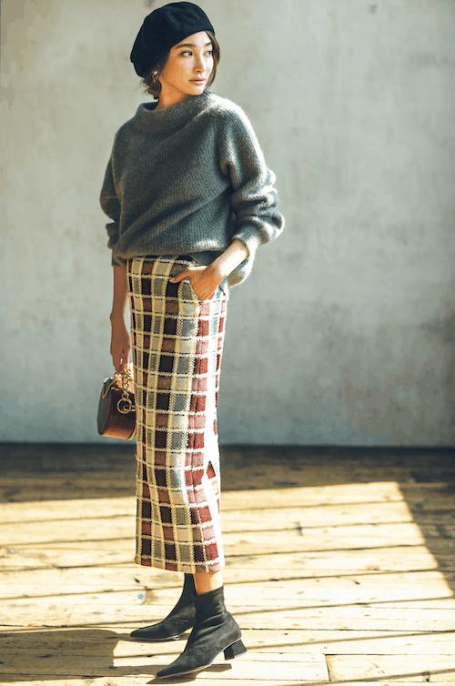 タイトなニットスカートはセクシ