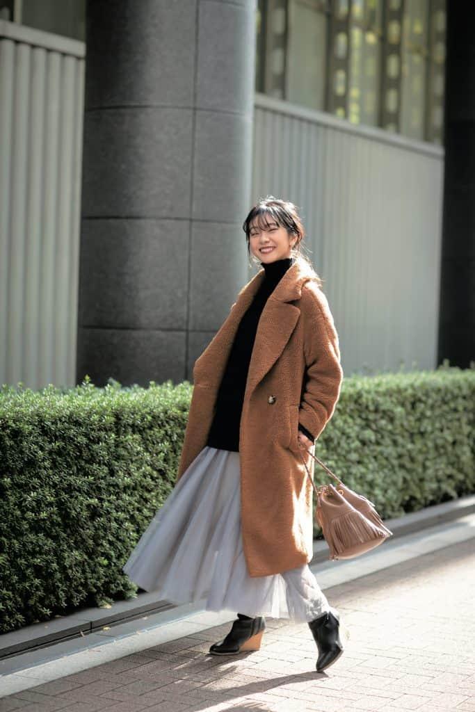 「バッグは洋服に馴染むデザイン
