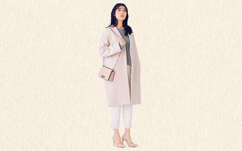 白コートと白パンツで清涼感たっぷりな愛されコーデ【真冬の着回しDiaries Part②】