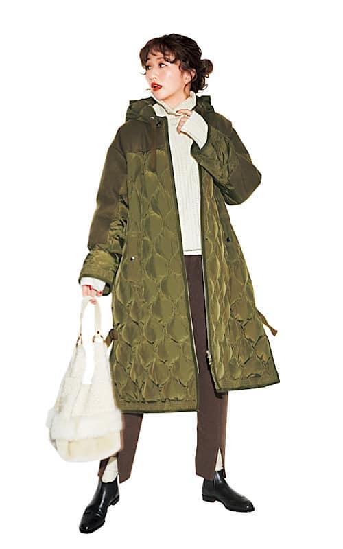 【今日の服装】ミリタリーダウンでも女っぽいコーデに見せるなら?【アラサー女子】