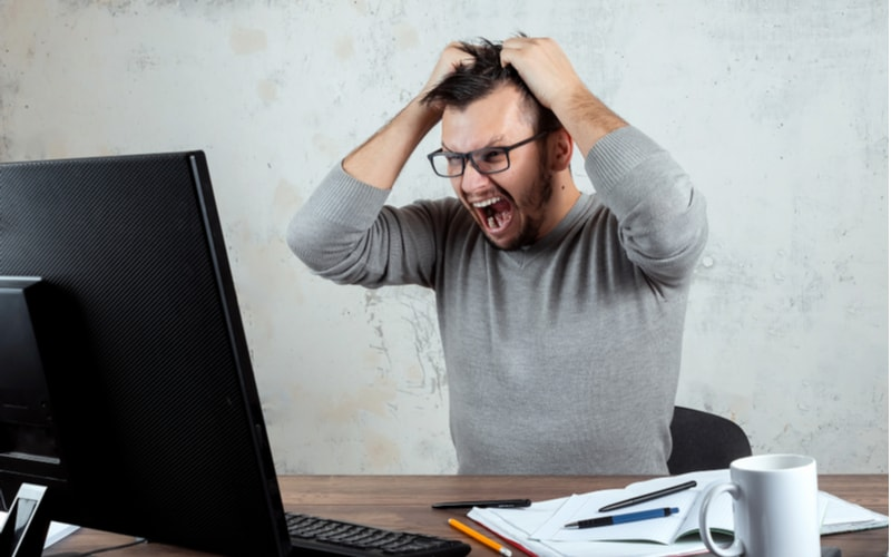 5.仕事のストレスを持ち込む