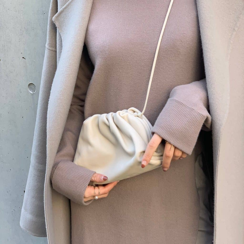 【Sサイズ女子】アクセサリー感覚で持てるミニバッグが使える!