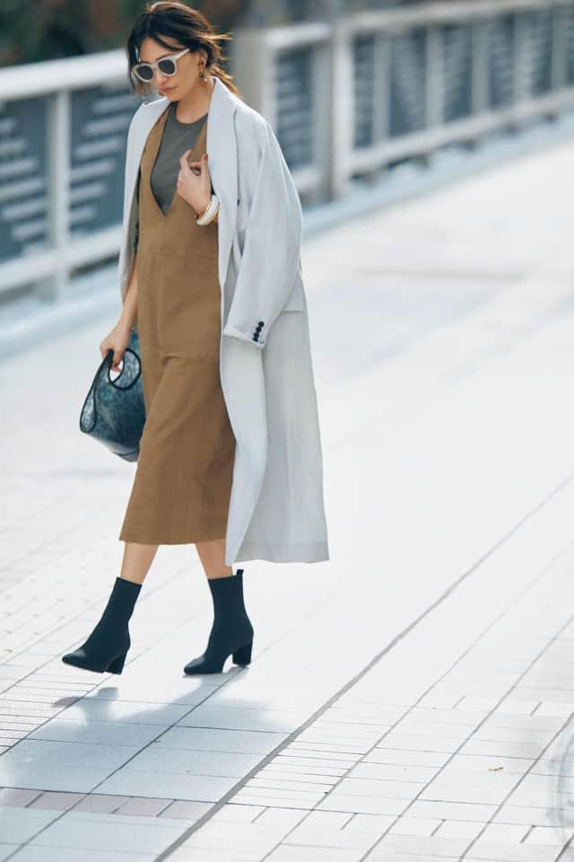 春トレンド確実!大人の「ジャンパースカート」入門コーデ【合わせるインナー編】
