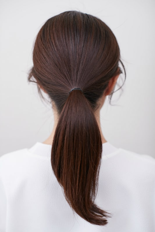 ロングのヘアアレンジでも後れ毛