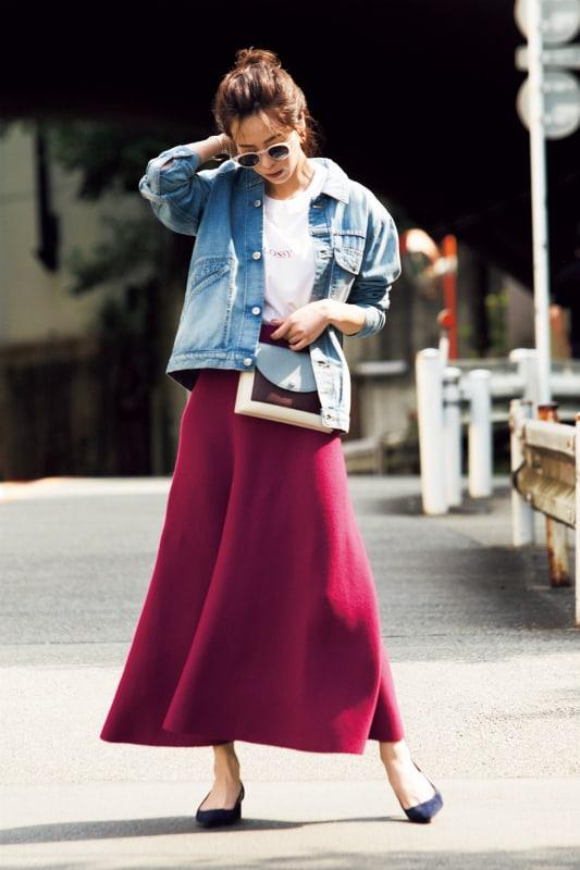 派手色スカートは、シンプルアイ