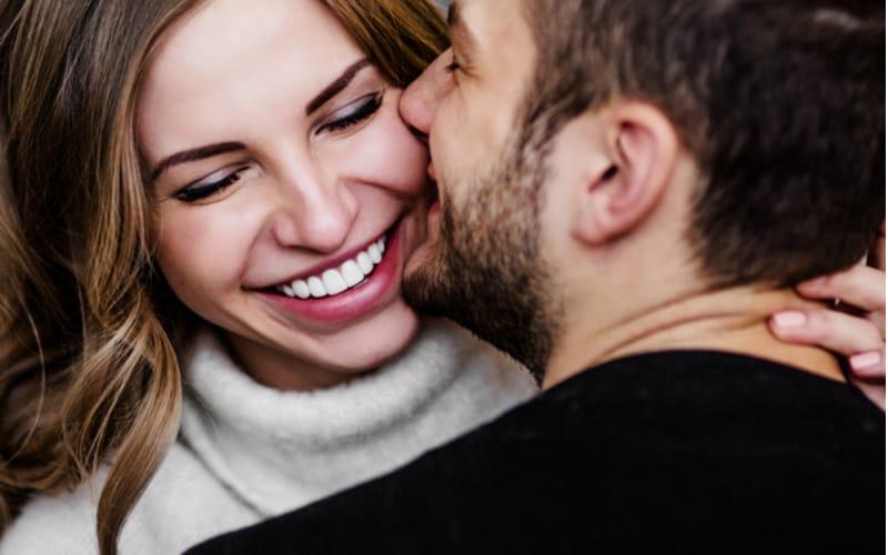 顔が似てる!? 男友達から結婚を勧められるアラサー彼女の特徴4つ