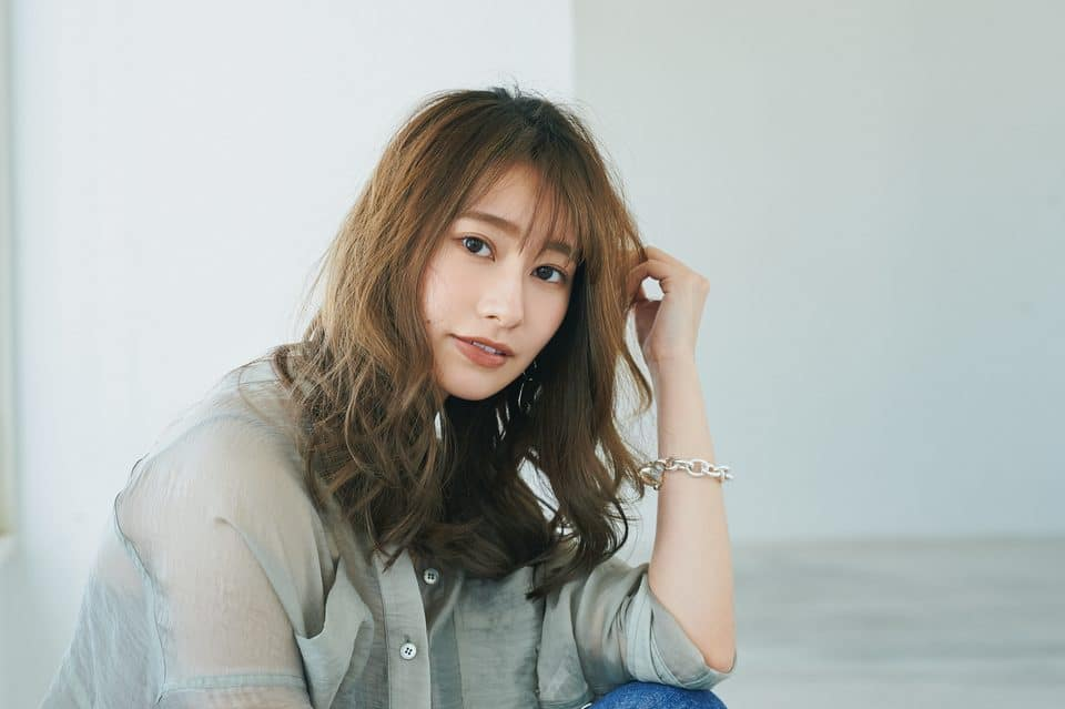 桜井玲香の新ヘアは「ミディロング」!もっと大人っぽくカジュアルに