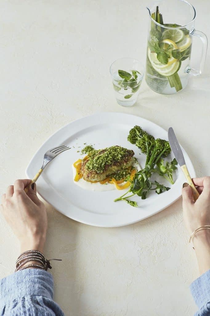 超絶スタイルのモデルが食べてるご飯!ヘルシー「美トレめし」【白身魚のソテー】