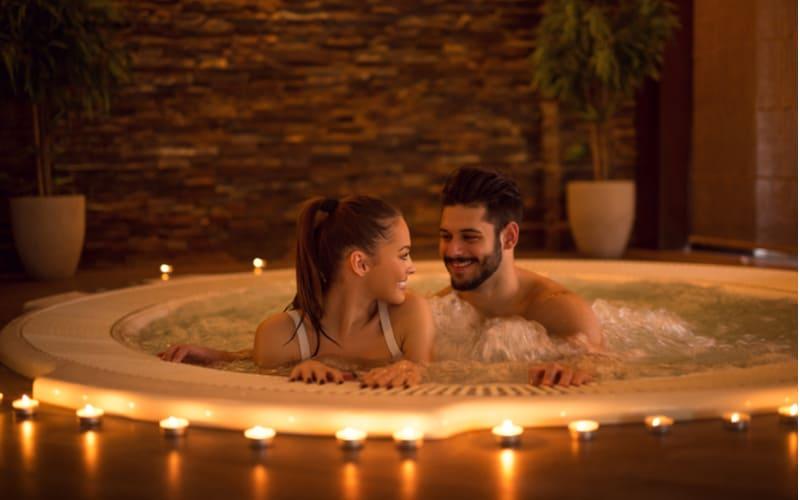・混浴温泉でお泊り旅行