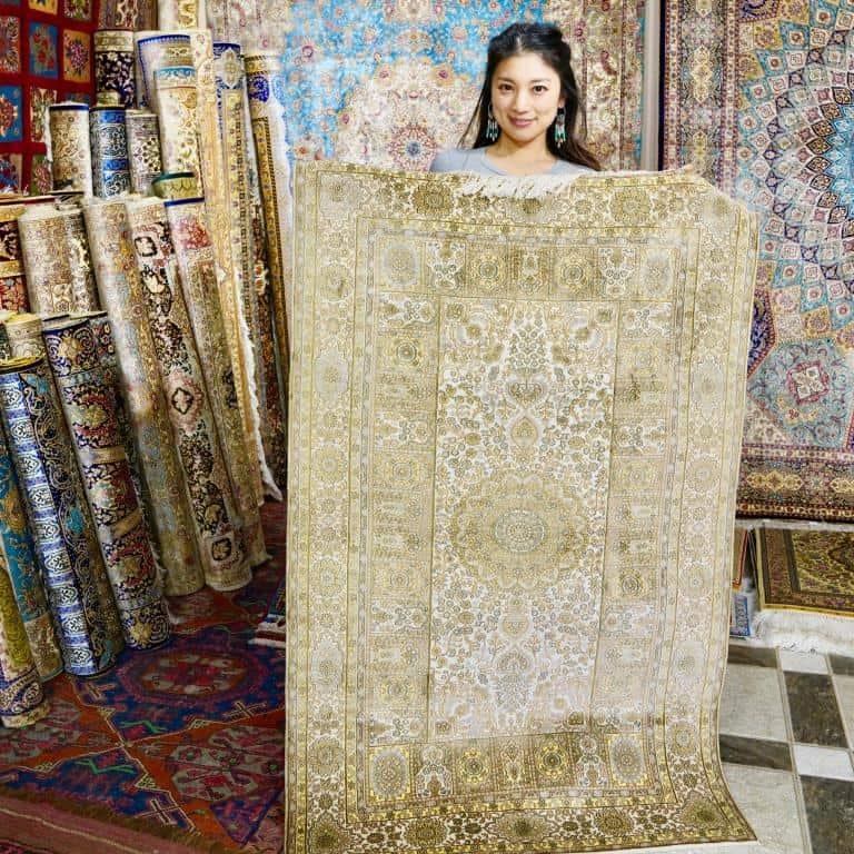 旅作家が推薦!「憧れのペルシア絨毯を買う」【ウズベキスタン編】|アラサー女子旅