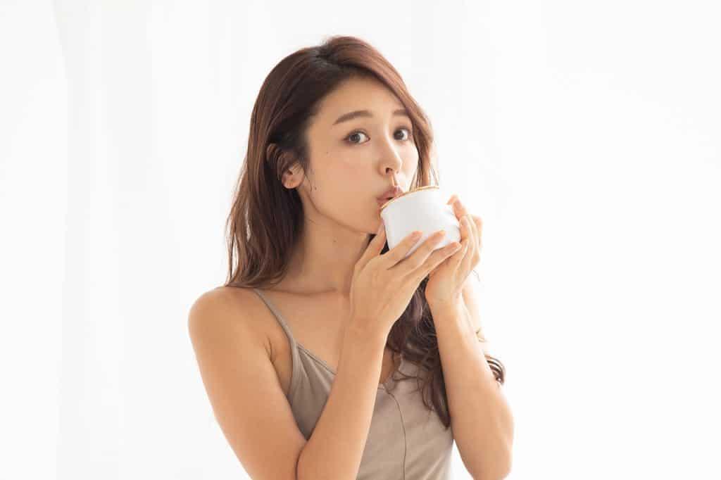 「コップ1杯の白湯を飲むことか