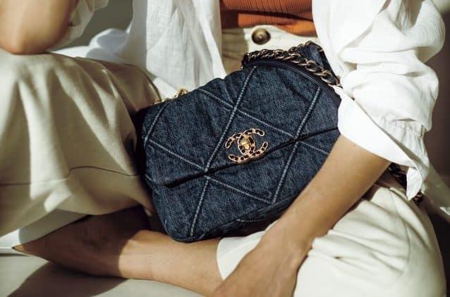 """【シャネル、ルイ・ヴィトン、エルメス…】アラサーのブランドバッグは""""シンプル""""が一番説"""