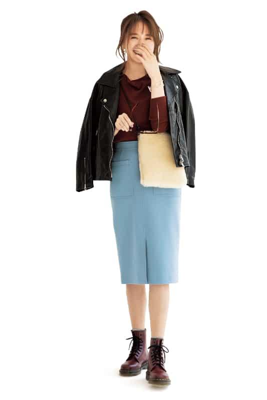 パステルカラーのタイトスカート