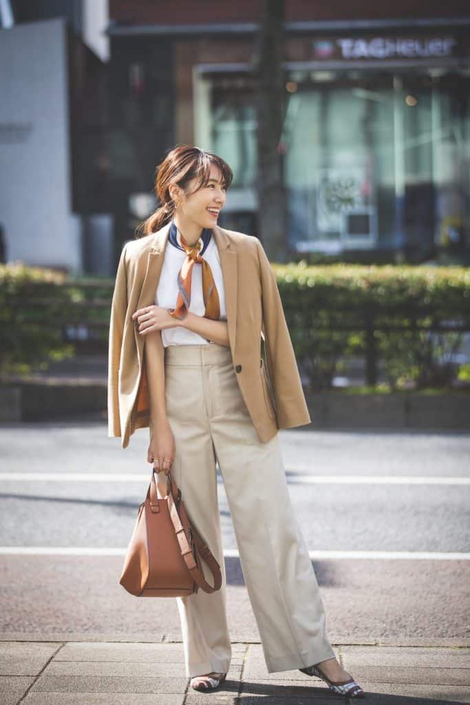 茶・ベージュ系ジャケットは即、今年っぽくなれると人気急上昇中!|ジャケットコーデSNAP