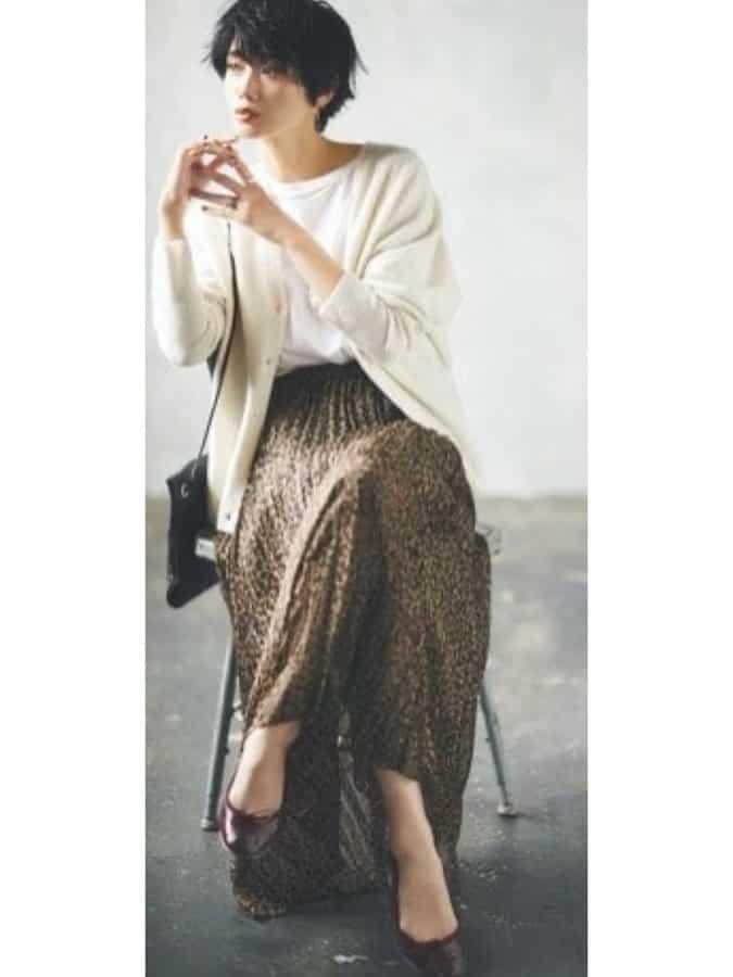 アニマル柄のプリーツスカートは