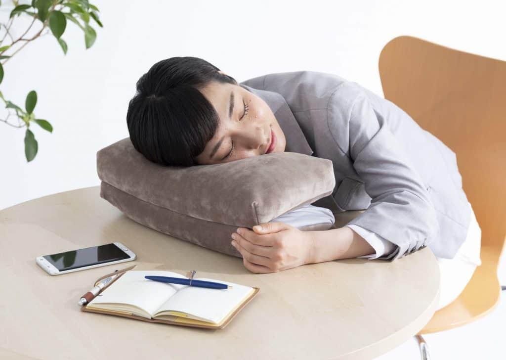 """健康維持のために睡眠を整える3つのコツ【コロナ疲れ""""でよく眠れない人必見】"""