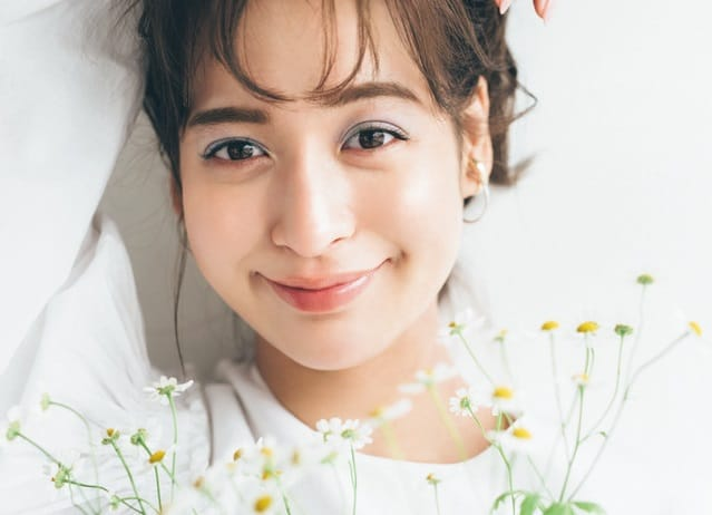 【野崎萌香】人気ヘアメークが教える 「春のヘルシー顔」【ツヤメーク編】