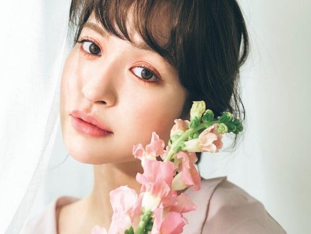 【野崎萌香】人気ヘアメークが教える 「春のヘルシー顔」【ピンク編】