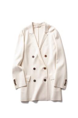可憐な白レースのジャケットで、