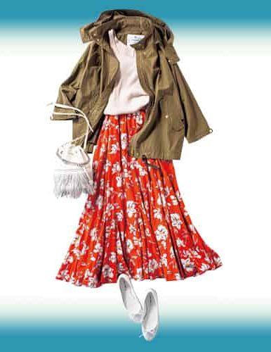赤の花柄スカートに、今季も人気
