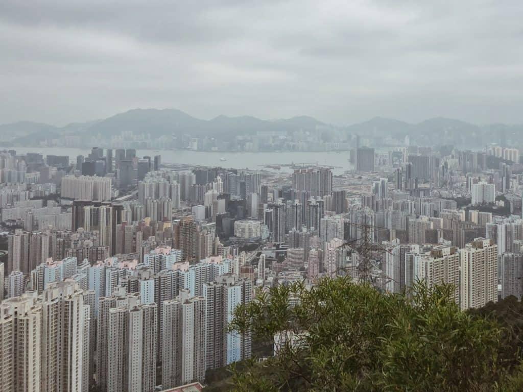 「香港は娯楽での外出には制限が