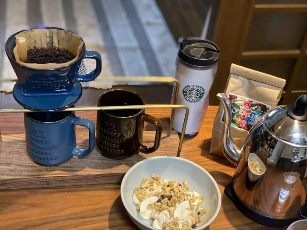 食後のコーヒーをテイクアウトす