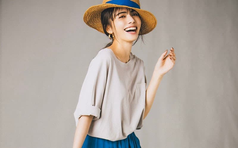 【今日の服装】悪目立ちしない「カラースカート」の着こなし方って?【アラサー女子】