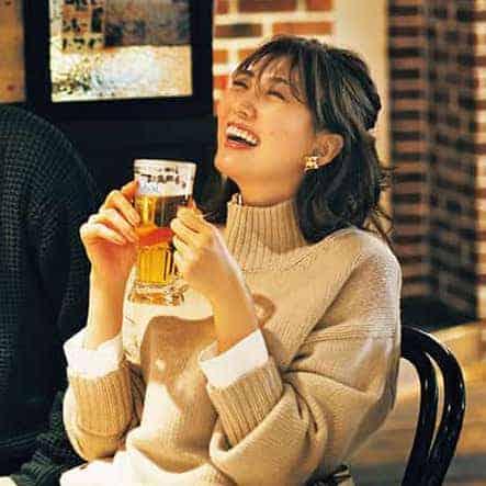 外食できないぶん、自宅で飲む人も増えていると思いきや? 写真/「CLASSY.」2020年2月号掲載
