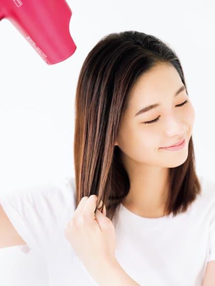 髪の乾燥は、パサつく一番の原因
