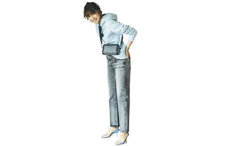【今日の服装】旬のグレーデニムをオシャレに履きこなすには?【アラサー女子】