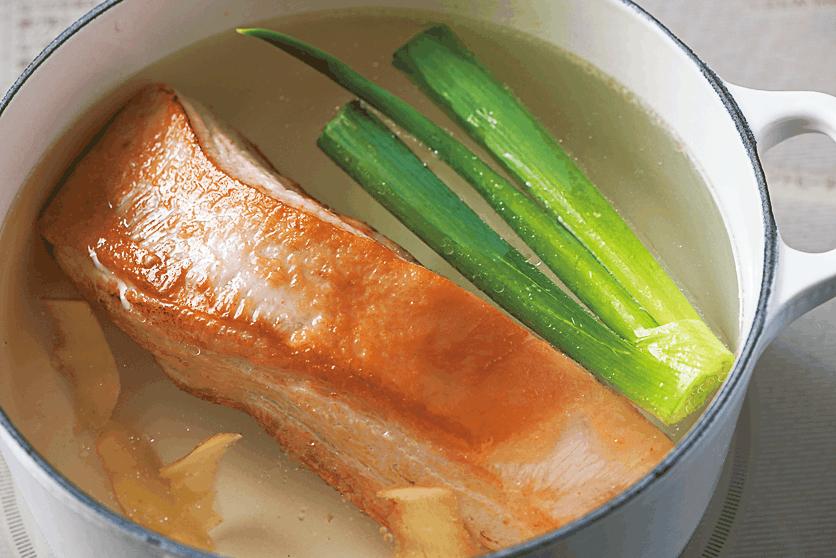 豚肉は下茹ですると余分な脂が抜