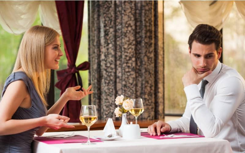 「よいしょっ」はドン引き…初デートでアラサー男性が引いた女性のおばさん発言6つ