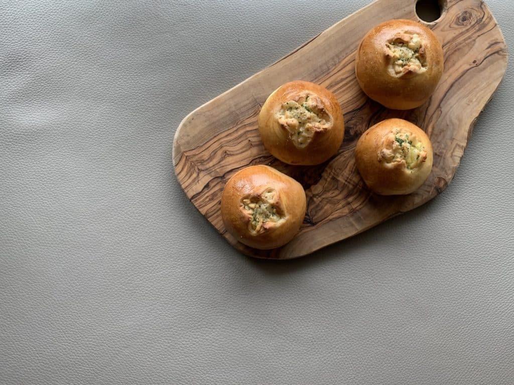 パンを焼くことが趣味な私は、お