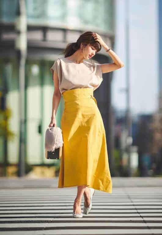 定番のフレアスカートは夏はらし