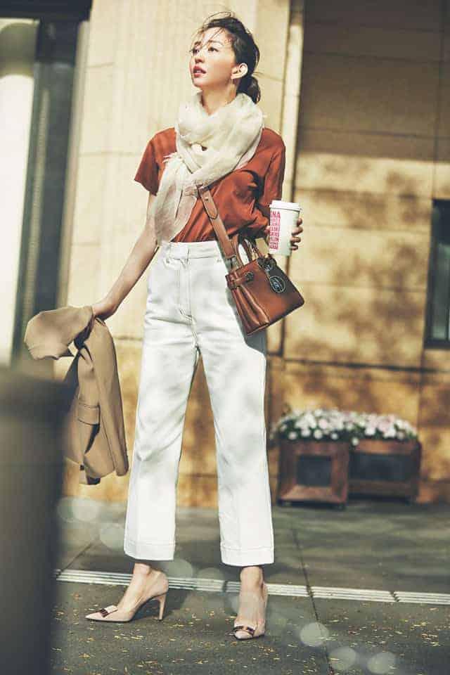 白デニムを今っぽく着こなすなら