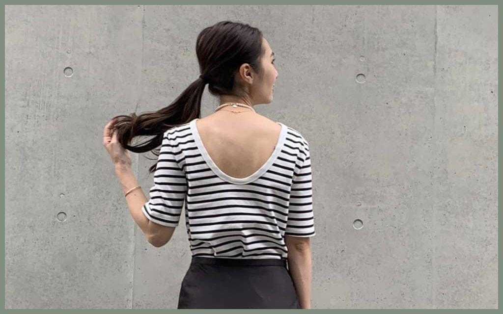 女っぽいTシャツコーデは背中開きタイプをチョイスするだけ!