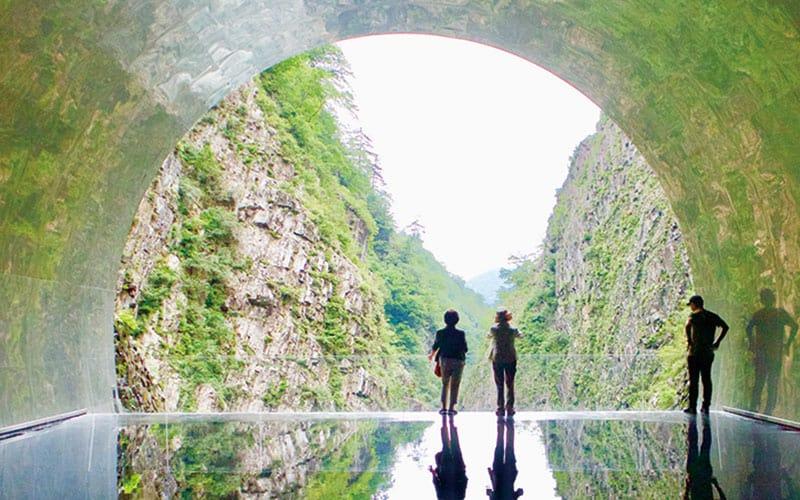 旅作家が推薦!「国内屈指の芸術トンネルでアートと自然を堪能したい!」【十日町 ( 新潟県)編】|アラサー女子旅