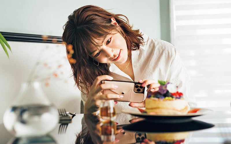 アラサー美女インフルエンサー、石井里奈さんが人気の「5つの秘密」