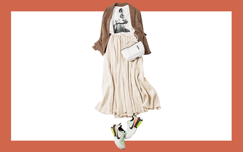 無彩色のスカートコーデにネオンのスニーカーをON【今日の着回しDiary】