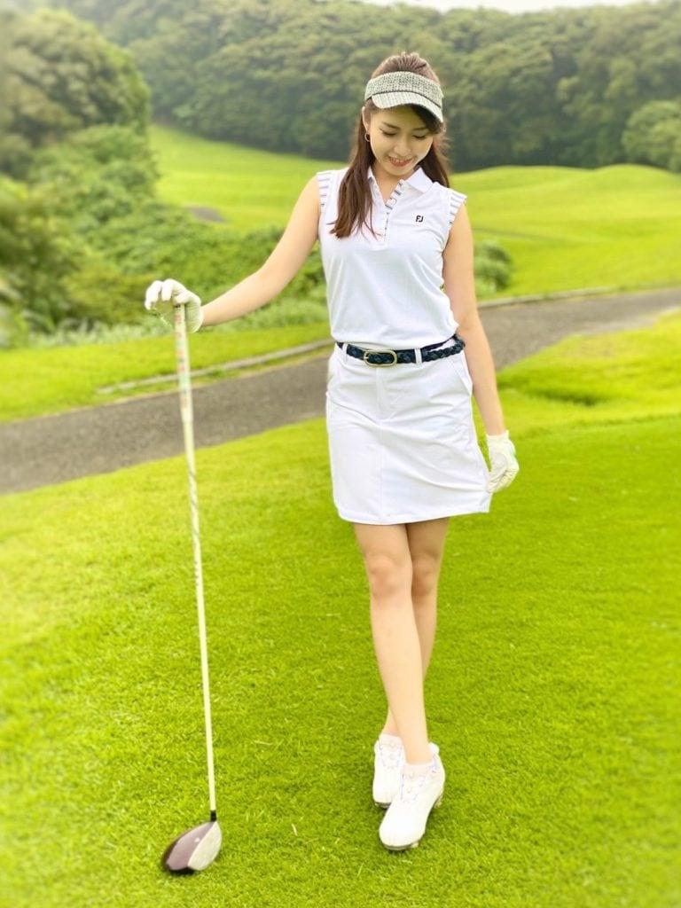 美女ゴルファーおすすめ!可愛くて映えるゴルフウェア【③武田奈津美さん】