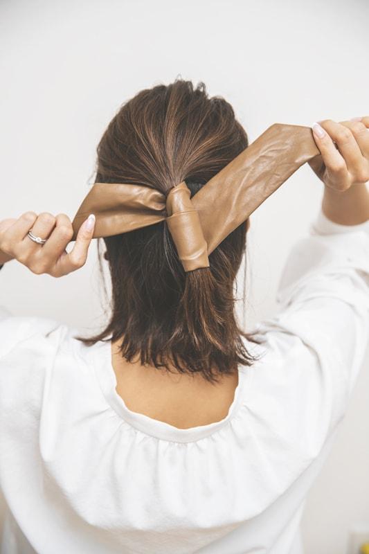 「まとめるヘアを多めにアップに