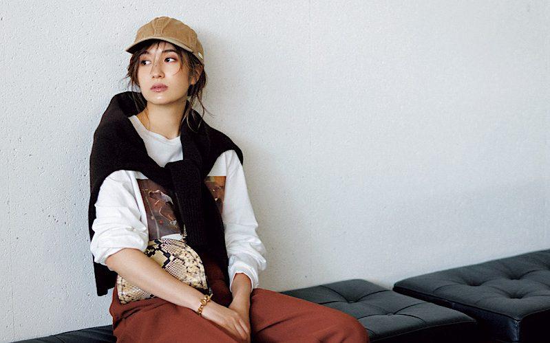【今日の服装】秋でもオシャレな「フォトTシャツ」の着こなし方って?【アラサー女子】