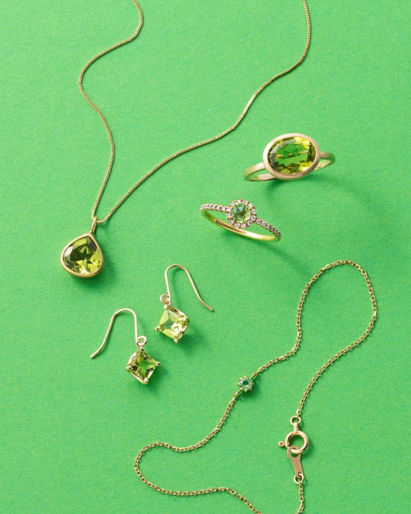 「ペリドット」は石本来の透明感、美しさを堪能できるデザインが◎