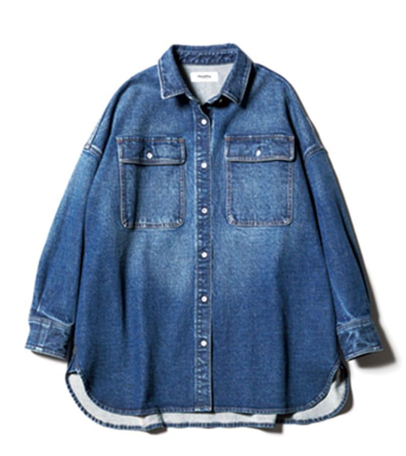 【G】デニシャツジャケット シャツとしても羽織りとしても。ダウンショルダーかつゆったりシルエットなので腕~背中周りが動きやすい。¥16,500(ヘルシーデニム/ゲストリスト)