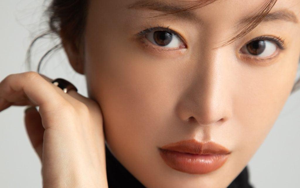 女優・松本まりかさんが「25歳で感じた焦り」とは? 自分磨きの10年間を振り返る。